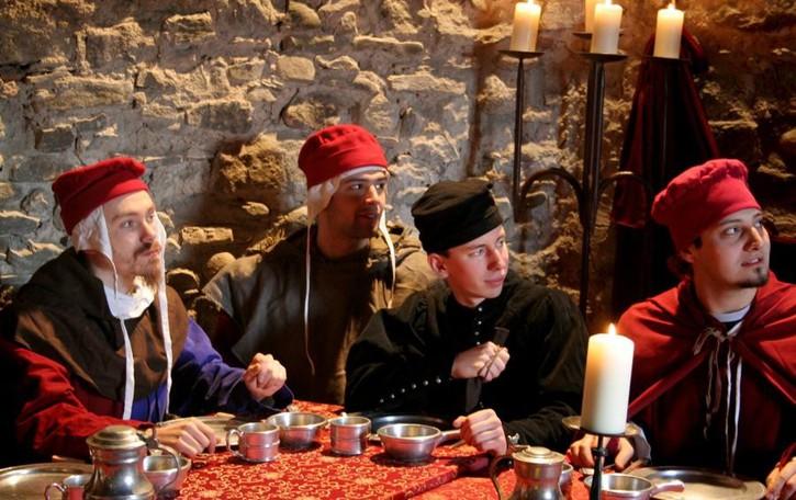 Cena con delitto, giochi in costume È Halloween al Castello di Grumello