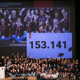 Chiude BergamoScienza, il bilancio Oltre 153mila presenze in 16 giorni