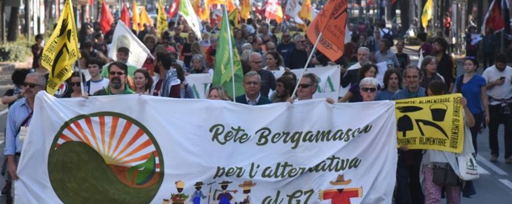 Manifestazione della Rete bergamasca per l'alternativa al G7