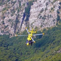 Bloccati in parete tutta la notte Bergamaschi salvati sulle Alpi Apuane