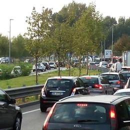 Ecco come evitare code e traffico Attenzione alla foschia in strada