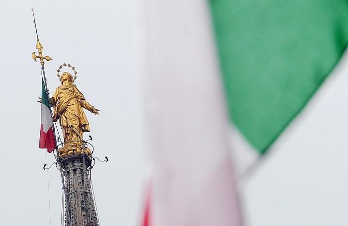 Duomo, Esselunga adotta la guglia con la Madonnina