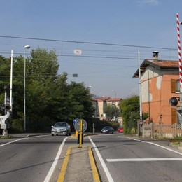 Via i tre passaggi a livello in città Si parte nel 2018 alla Trucca