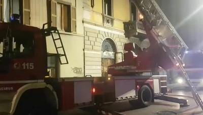 Incendio in Borgo Palazzo L'intervento dei Vigili del Fuoco