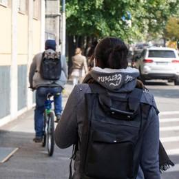 Bergamo, ciclabili «spezzatino» Due ciclisti su tre non le usano