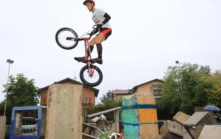 Bonalda «salta» sul tetto d'Europa 20enne di Ardesio, campione di Bike Trial