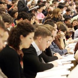 Pochi diplomati e laureati a Bergamo «Elevato tasso di abbandono scolastico»