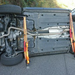 Castelli Calepio, auto si ribalta Muore un uomo di 65 anni