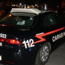 Rubano un'auto al campo sportivo Inseguimento a Pontirolo con incidente