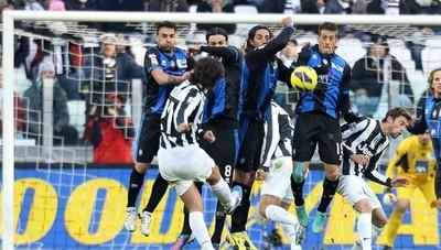 Andrea Pirlo dice addio al calcio Contro l'Atalanta uno dei gol più belli