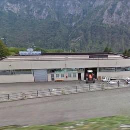 Infortunio mortale sul lavoro a Valnegra Schiacciato dalla ruspa un 47enne