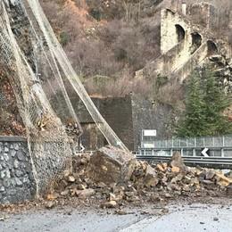 Neve e pioggia lasciano il segno - Foto Frana a Riva di Solto, disagi a Gandellino