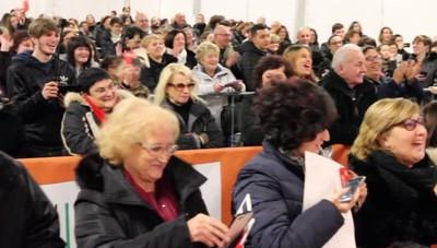 Gianni Morandi a Stezzano Canta con più di mille fans