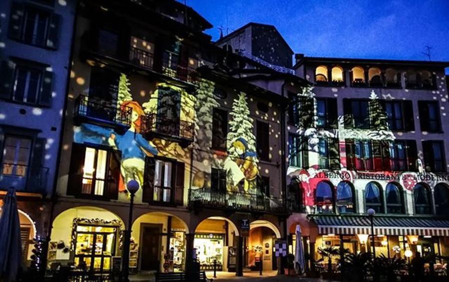 Gli edifici si illuminano di capolavori Lovere, è un Natale di luci e colori