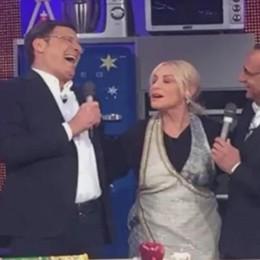 Fabrizio Frizzi torna in televisione E Antonella Clerici scoppia a piangere