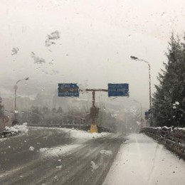Sabato codice giallo per rischio neve  Ma i primi fiocchi scendono già nelle Valli