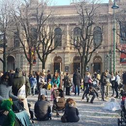 Il Donizetti apre le porte al Carnevale  A Treviglio pienone per la sfilata -Foto