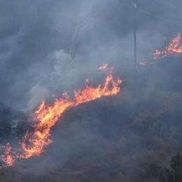 Ponte del Costone, ancora fiamme Spento l'incendio a Ponte Nossa