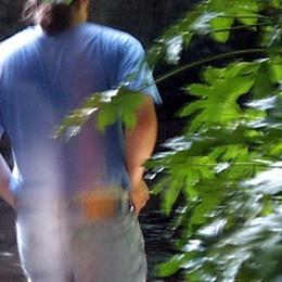 «Nonno» spacciatore a Boltiere Preso al parco con 10 dosi di cocaina