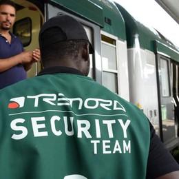 Aggredì due vigilantes sul treno Non rispetta l'ordinanza, arrestato