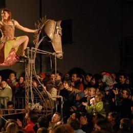 «Magie del Borgo» a Costa di Mezzate   Le strade si riempiono di artisti -  Video