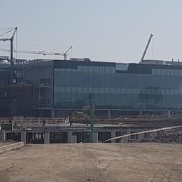 Oriocenter più grande: 80 nuovi negozi Cerchi lavoro? Zanica raccoglie cv
