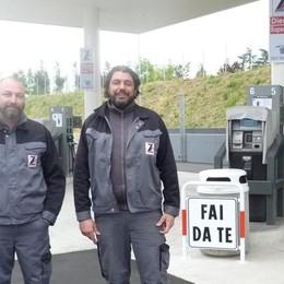 A San Paolo i benzinai «No logo» La sfida fai da te ai big del petrolio