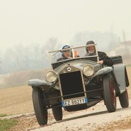 La «Mille Miglia» passa da Grumello con la Lambda preparata da Silvauto