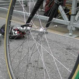 Pradalunga, ciclista trovato a terra Colpito da un malore: è grave