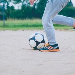 Stop alle partite di calcio in strada  Verdello sanziona i calciatori «molesti»