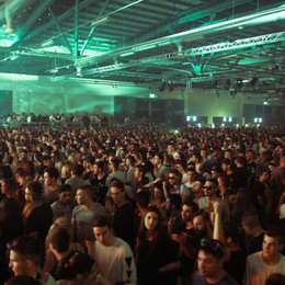 Sabato con la musica elettronica  Attesi 8 mila giovani alla Fiera di Bergamo