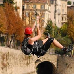 Si vola sulle Mura di Bergamo - Foto Torna la teleferica di Città Alta - Video
