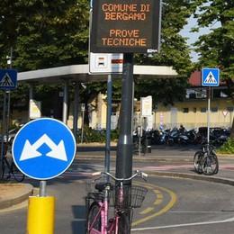 Piazzale Marconi, c'è la telecamera  Da luglio controllerà le auto «abusive»