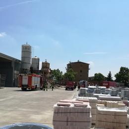 Grave infortunio sul lavoro a Montello Operaio nell'impastatrice di cemento