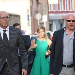 Le lacrime di Bossetti alla sentenza I legali: «La sconfitta del diritto»