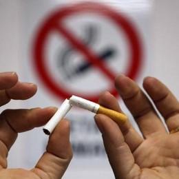 Vietato fumare nei parchi C'è chi sceglie la linea dura
