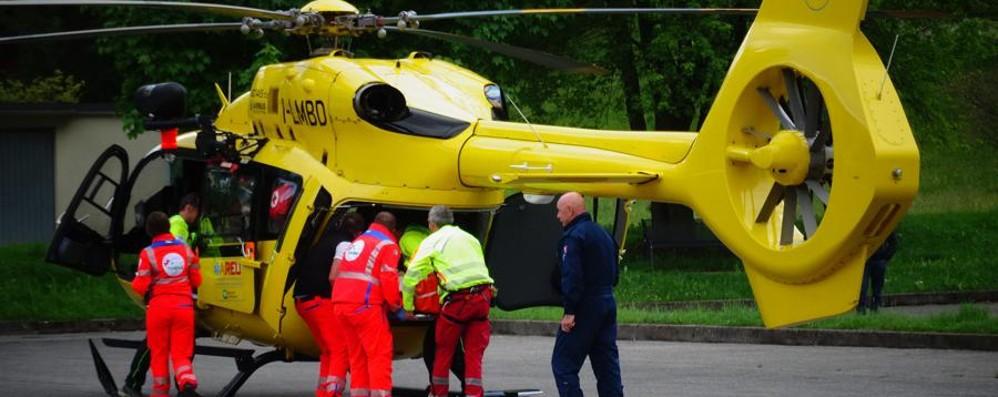 Ranzanico, incidente auto contro moto Traffico in tilt sul lago d'Endine