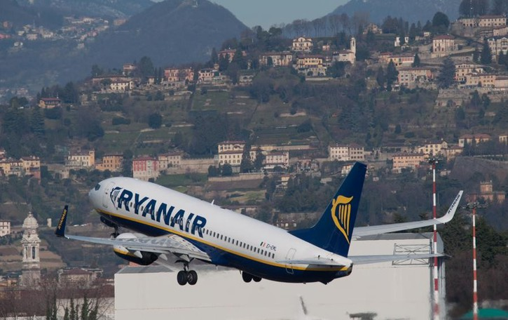 Ryanair, utili su del 55% In arrivo un taglio delle tariffe