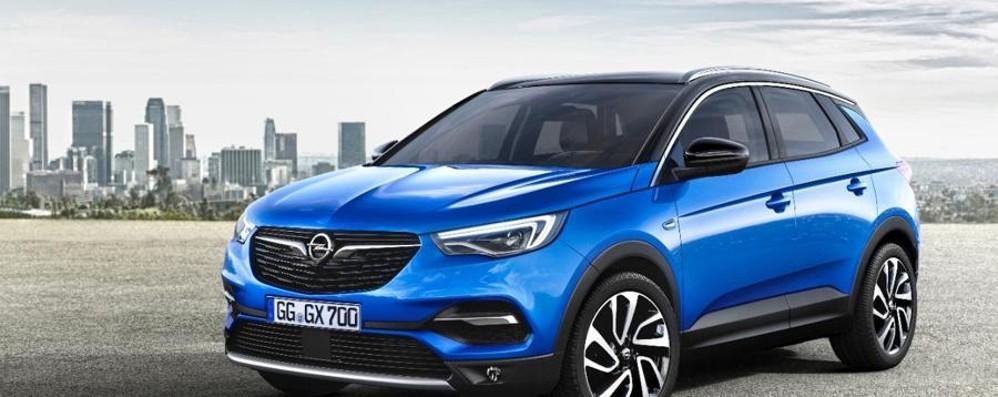 Opel Grandland X ti avvisa se sei stanco alla guida