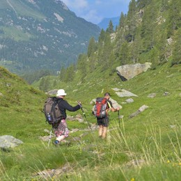 Appello a chi ama la montagna Il Cai: «Adottate un sentiero»