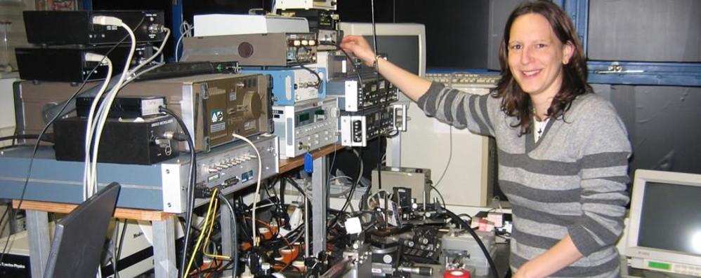 Studia con un Nobel le oscillazioni della luce