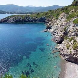 Rischia di annegare in mare all'Elba Salvata turista bergamasca 73enne