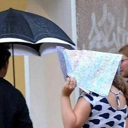 Arrivati i temporali tanto attesi C'è anche il vento, è rischio grandine