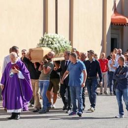 L'addio a Giuseppe, ucciso a Valtesse «Non giudichiamo né condanniamo»