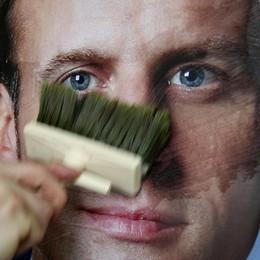 Pessimismo di lusso E Macron paga