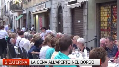 Festa dell'Apparizione, la cena all'aperto in Borgo Santa Caterina
