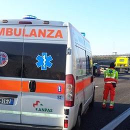 Travolta e uccisa da uno pneumatico L'incidente sull'autostrada A14