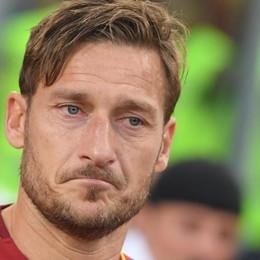 La Roma arriva allo scalo di Orio Francesco Totti, prima volta da dirigente