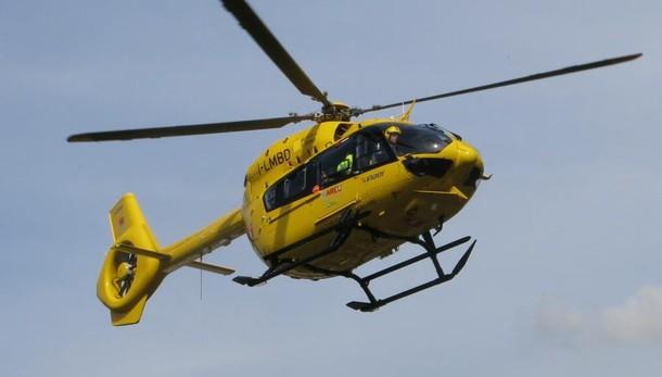 Fuoristrada nel dirupo, salvo bimbo Sbalzato   prima di un volo di 300 metri