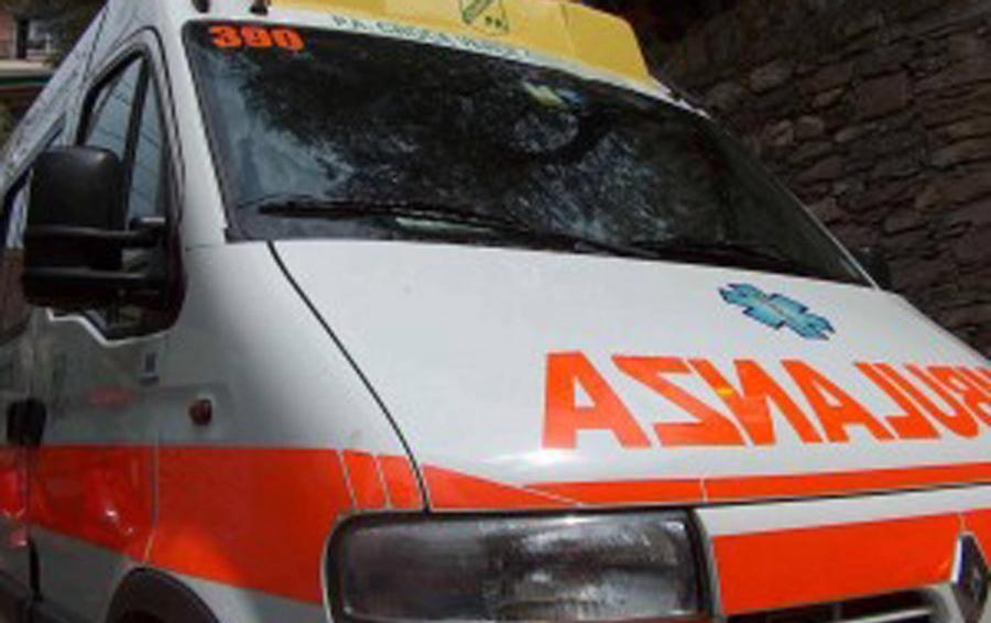 Albino, incidente sulla provinciale  Auto contro moto, grave ragazza 18enne